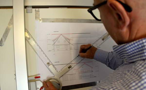 Bauberatung Franz - Detaillierte Überprüfung der Pläne